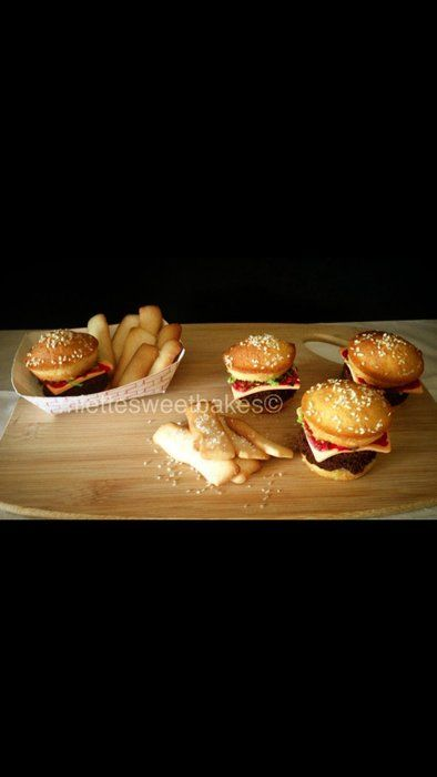 Vanilla/Chocolate Burger cupcakes w/ Sugar French Fries - by miettesweets @ CakesDecor.com - cake decorating website