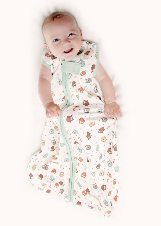 Dieses SIMPLY Design ist mit kleinen Eulen bedruckt, ohne aufwendige Stickerei - die Schlummersack Simply Babyschlafsäcke bieten ein top Preis-Leistungs-Verhältnis. Den Schlummersack Simply Eule gibt es in 4 Größen