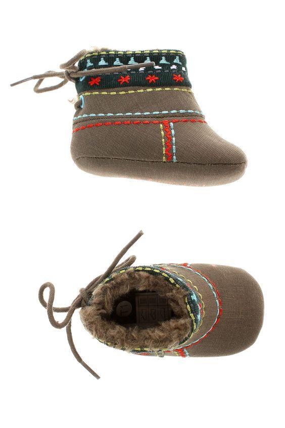 Chaussures Chaussons CATIMINI - couleur MARRON - matiere Autre - Chaussures et maroquinerie - Chaussures enfant - Catimini