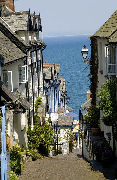Cute city of Clovely, Devon, #England / Jolie ville de Clovely, Devon, Angleterre