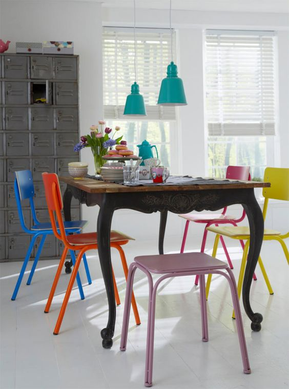 Ideias de como usar cadeiras coloridas na sala de jantar - limaonagua