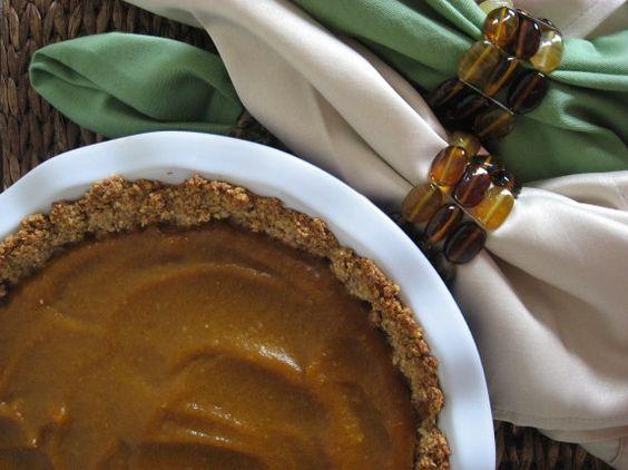 pumpkin pie with nut/oat crust (vegan, gluten-free, no refined sugar)