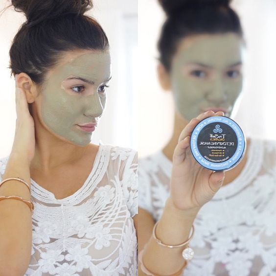 I discovered this mask from @Truselforganics and I'm in LOVE! It is called the Detoxifying Facial Mask and It help to reduce blemishes, acne, wrinkles, pore and it's 100% Natural ! Make sure to follow @supermodelmomma1 for daily healthy lifestyle inspo and @Truselforganics for monthly sales and giveaways!! #Truselforganics #Loveyourself #Nobadstuff #organicskincare