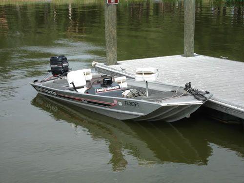 17ft Bass Tracker Boat Tournament Tx 17 Tracker Boats Boat Bass Boat
