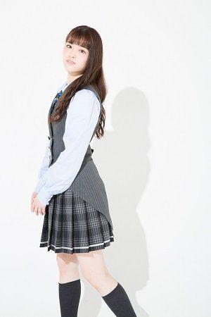 制服の松村沙友理