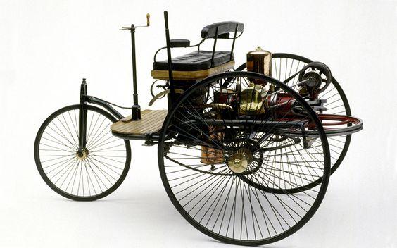 In Melinas Walk kommt ein Benz-Patent-Motorwagen Nr1 vor....