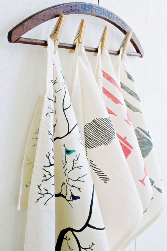 I am so excited to show this tutorial! I made these tea towels from scratch and hand painted the drawings on them. It was so much fun to do! I have been seeing a lot of new and fun tea towels over on Etsy, and just felt so inspired to make a series of my…: