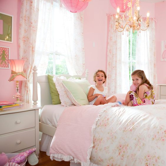Girl bedding carousel designs and toddler bed on pinterest - Beautiful rooms for little girls ...
