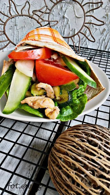 Kolorowa Tortilla Z Kurczakiem Food Sandwiches