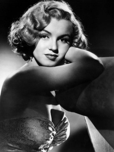 """Stunning photo of Marilyn Monroe from """"All About Eve."""""""