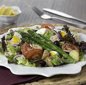 Essayez cette délicieuse recette de Salade niçoise au citron et à l'ail dès aujourd'hui !