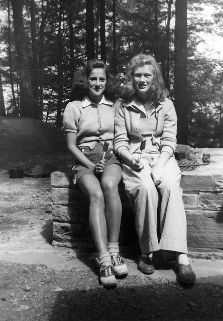 Chronically Vintage: 15 photos of terrific real world 1940s summer fashions