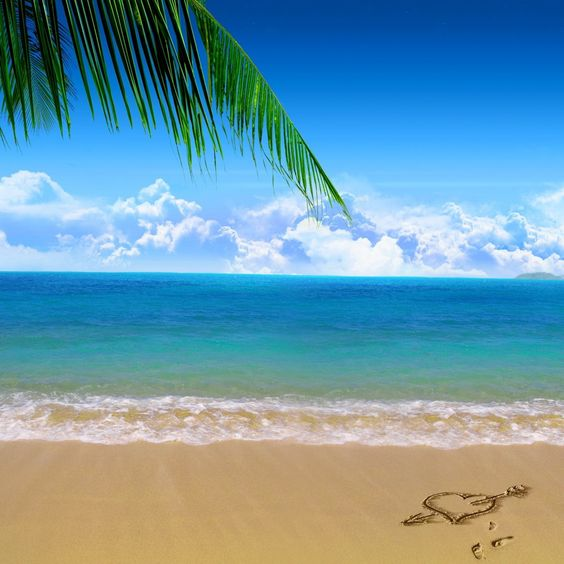 2048x2048 Wallpaper costa, praia, areia, mar, nuvens, coração