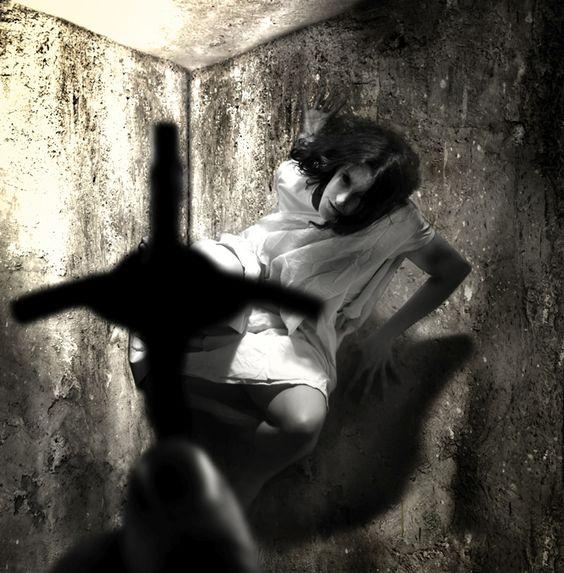 Exorcismo.............. Fc8c948c0cd97b53015acf9be913899c