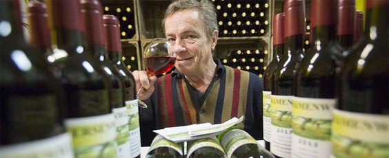 Wijnmakerij De Betuwe in de Ondernemer, een bijlage van dagblad De Gelderlander. Eigenaar Teunis van Oort wordt geportretteerd. Lees verder via de link: http://www.deondernemer.nl/nieuwsbericht/67802/aardbeienwijn-voor-open-minded-publiek