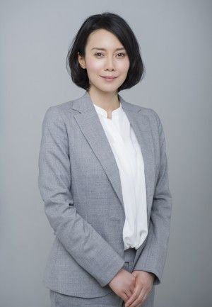 前畑滋子役を演じる中谷美紀