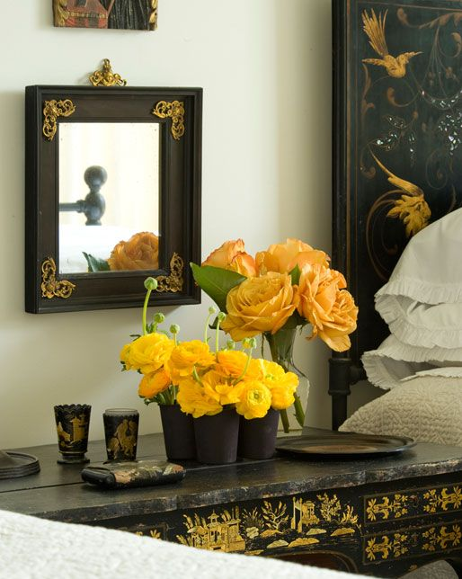 Interior Design by Jane Moore -a classic combo of black and yellow. European Country Interior Design by Jane Moore.