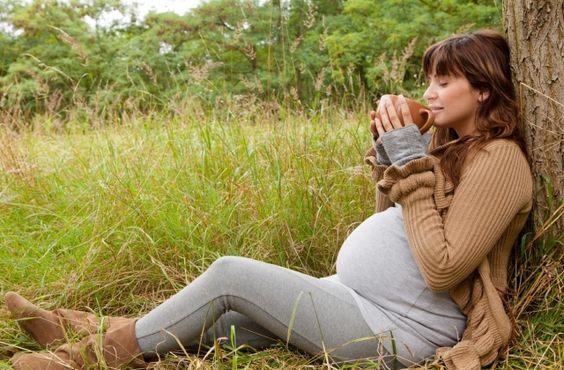 Kávék, gyógyteák és más szerek a terhesség alatt
