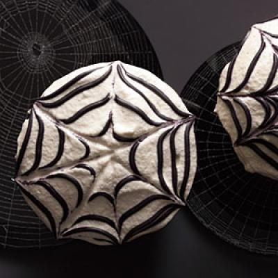 Spider cupcakes, Cupcake recipes and Spider on Pinterest