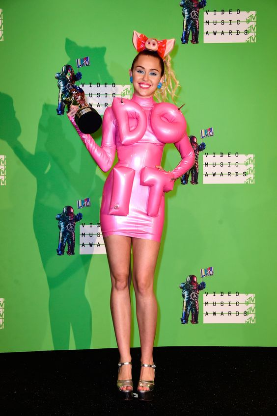 Miley Cyrus - 2015 MTV Video Music Awards: