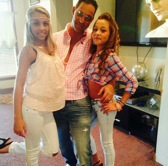 Kaylas husband Richard with two of their daughters ...