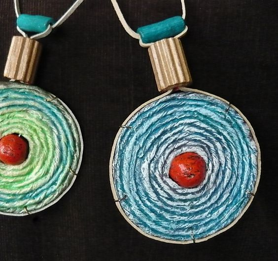 paper yarn eco jewelry by Ildi's spot, via Flickr