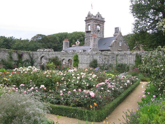 ** Walled garden