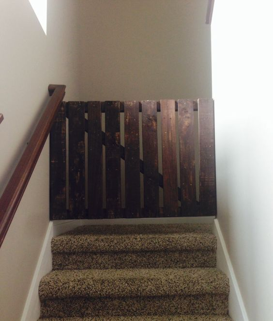 Diy Pallet Wood Dog Gate For Stairs Furniture Projects