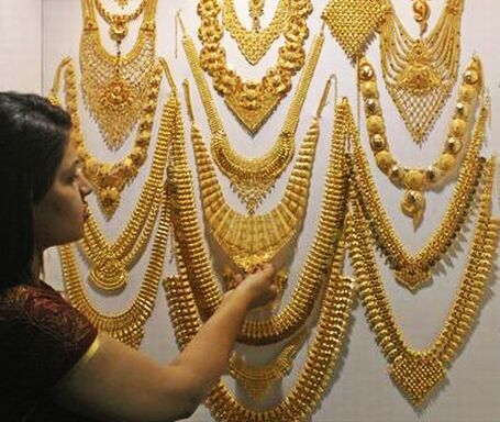 Resultados da Pesquisa de imagens do Google para http://www.webluxo.com.br/menu/joias/2009/mostra-joias-india.jpg