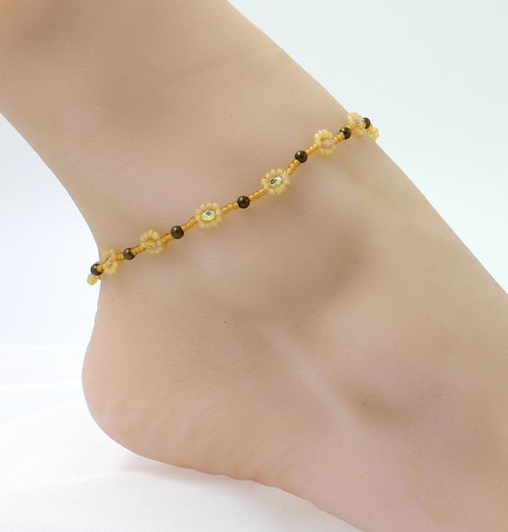 Yellow Anklet - Daisy Chain Ankle Bracelet - Floral Jewelry - Seed Bead Foot Jewelry by BeadfulStrings on Etsy