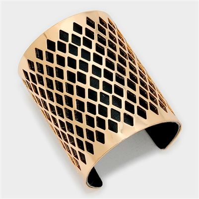 DIAMOND PATTERN CUTOUT LEATHER LINED CUFF BRACELET