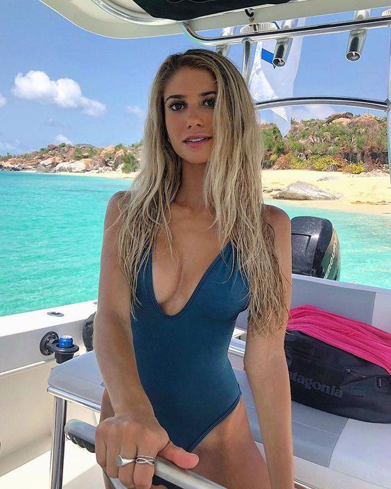 Emily Tanner Biography, Height Weight, Crossfit Model