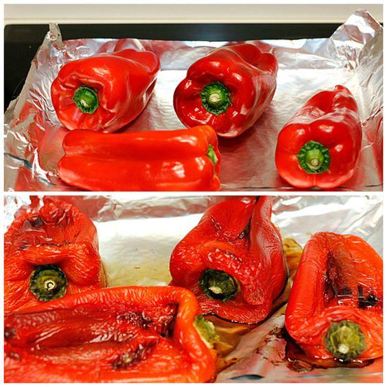 Pimientos asados al horno - Tenerlos en un recipiente cubiertos de aceite me proporcionan una solución fantástica para levantar una ensalada, acompañar una carne a la parrilla, o hacerme un bocadillo exprés con un poco de atún.