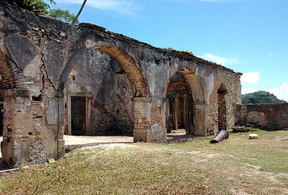 Cairu, Bahia - Brasil Forte da Ponta, em morro de São Paulo