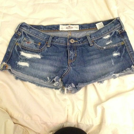 Hollister shorts Used but still in fair condition Hollister Shorts