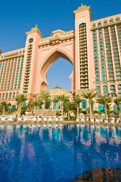 Palm resort dubai and palms on pinterest for Best hotels dubai palm