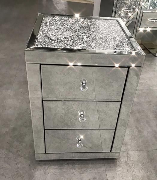 February Delivery Diamond Crush Top Mirrored Bedside Table
