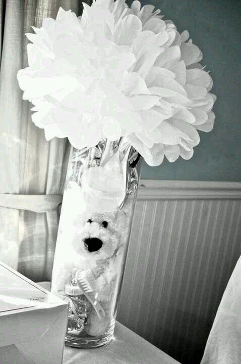 Teddy bear center piece- baby shower   Image from https://s-media-cache-ak0.pinimg.com/736x/d4/d6/86/d4d686508426eee7c7e404e061febb59.jpg.