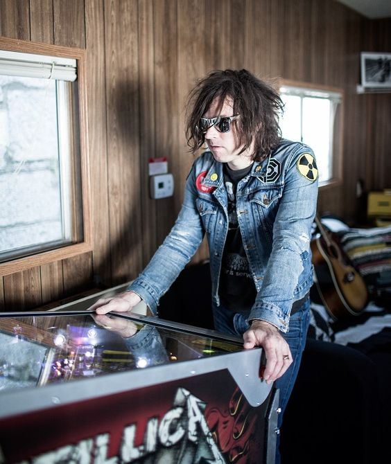 "Watch Ryan Adams Covers Foo Fighters' ""Times Like These"", Songwriting, American Songwriter"