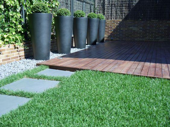 Jard n moderno basalto pasos porcel nico en gris antracita - Paisajismo jardines exteriores ...