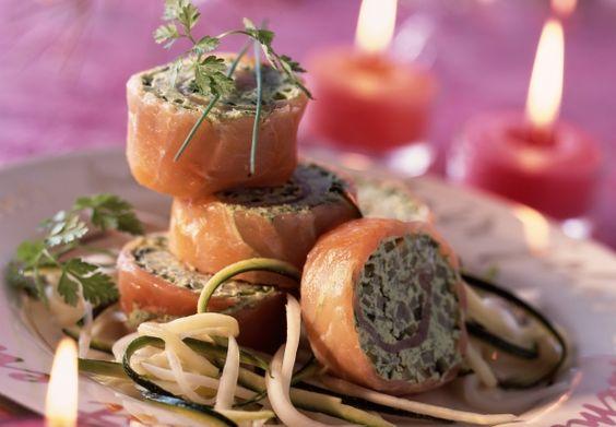 Les roulés de saumon en verdure  Très faciles à faire, ces petits roulés peuvent être servis en entrée ou en apéritif.  Découvrir la recette toute simple des roulés de saumon
