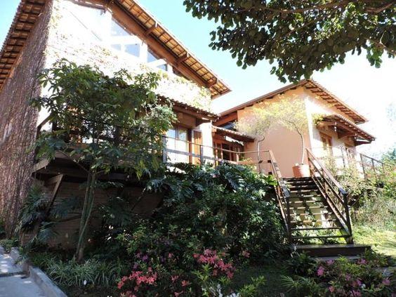 Morada integrada a natureza 5 dormitórios 525 mts área construída Fazendinha