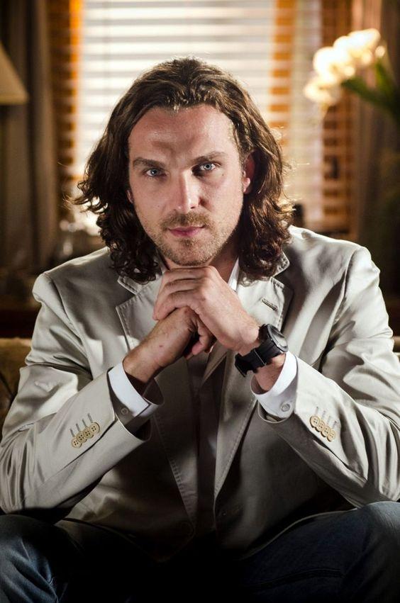 Igor Rickli - ator de teatro, televisão e cinema