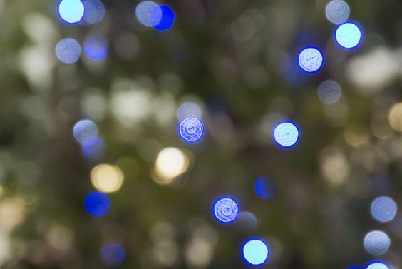 https://flic.kr/p/aZLddt | First shot taken at Nikon 1 V1! | 東京 大森 Christmas illuminations FT1(マウントアダプタ)を付けて、AF-SレンズでのMF撮影でした。