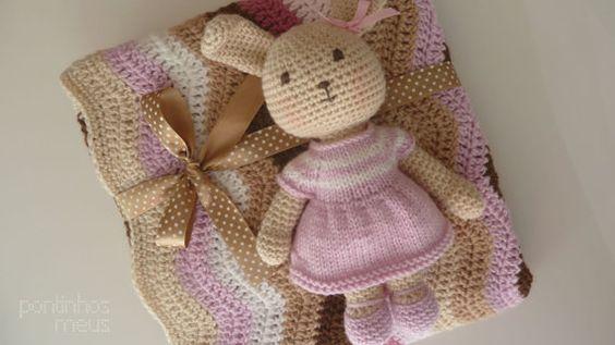 Manta bebé em croché com e coelhinha  Rosa e by pontinhosmeus, €42.00