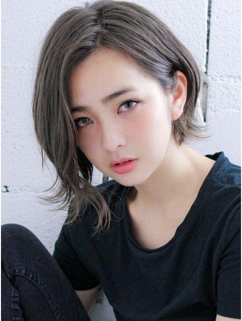 リヴ オオサカ(LIV OSAKA)【 LIV 】色素薄めアッシュグレー☆揺れ髪/前下がりショートボブ