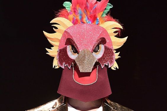 "Band Member Takes ""The King Of Mask Singer"" By Surprise With His Sweet Vocals"