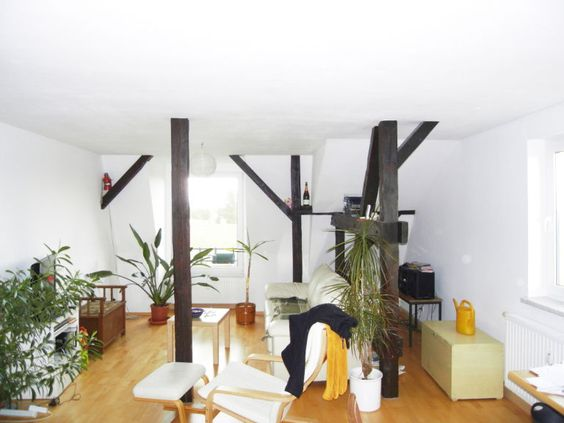 Berlin - Wohnungssuche - große 3 Zimmer DG Wohnung ab sofort zu vermieten.  Große 3 Zimmer DG Wohnung - 93 qm - mit Garten - ab sofort in Berlin zu vermieten.  Kontakt und Informationen finden Sie unter: http://www.miettraum.net/82512451