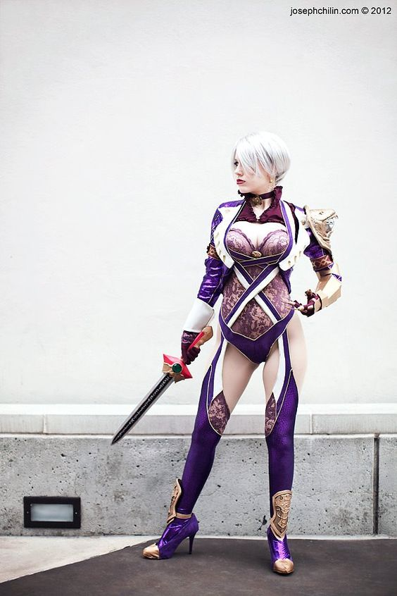 Ivy Valentine (Soul Calibur V) cosplayed by Crystalcosfx