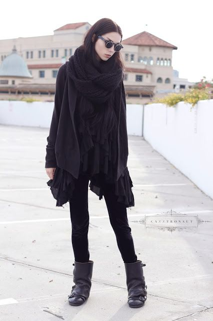 CASSTRONAUT. Black layers. Simplicity. Everyday elegant goth outfit.